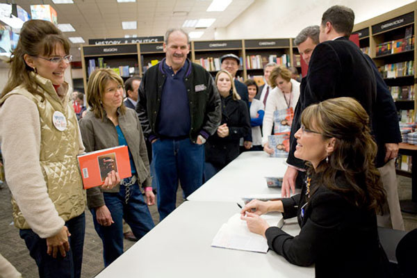 Going Rogue, book signing. Palin meets look-a-like, Nov-19