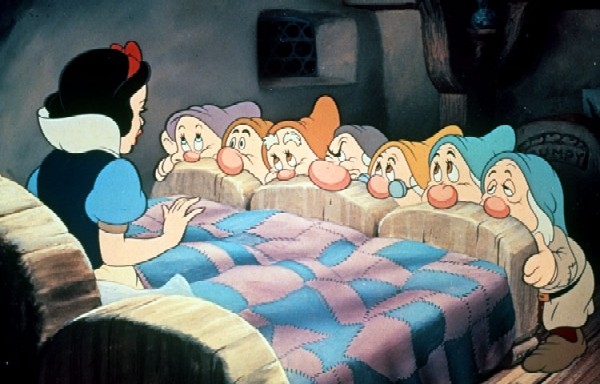 Disney, Snow White. Technicolor. 86 mins.